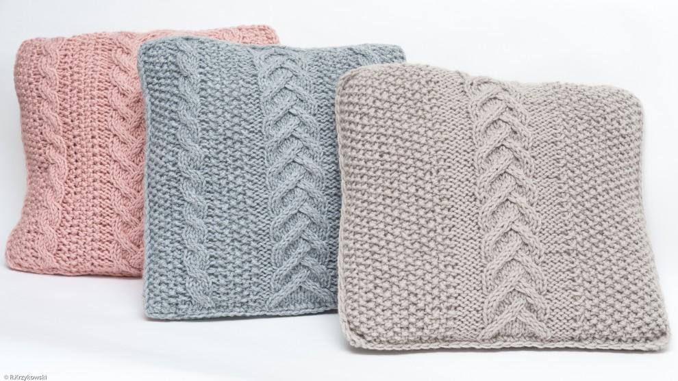 Ręcznie wykonana poduszka (kolor beżowy)
