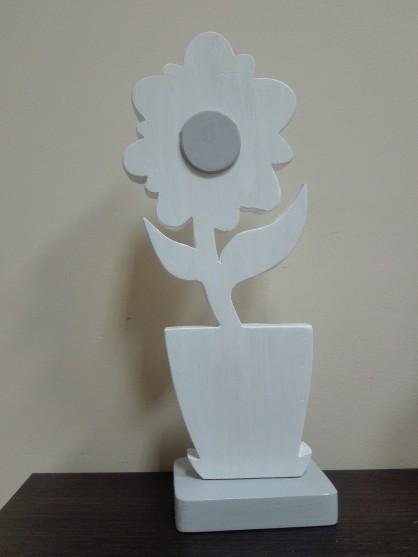 Kwiat- drewno- rękodzieło, wysokość 28 cm