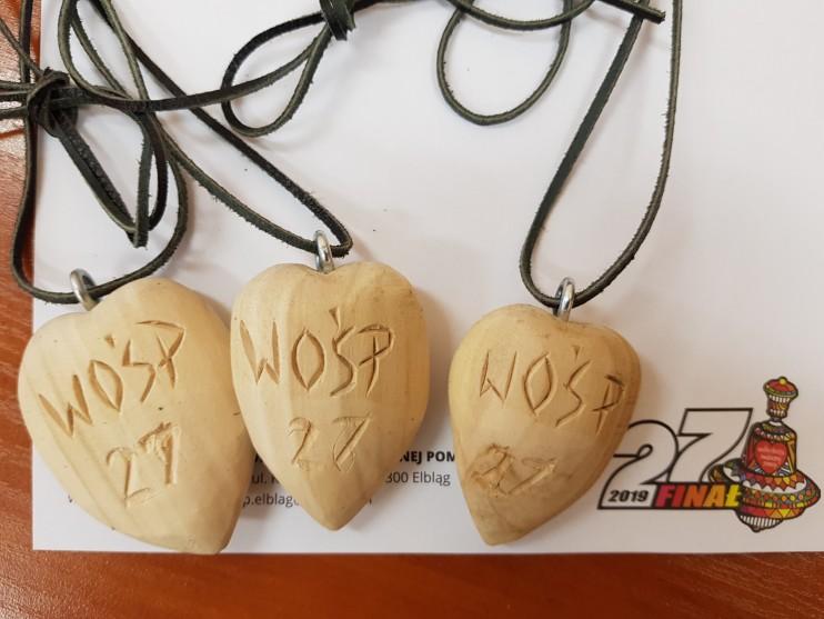 Serduszko WOŚP 27 Finał- drewniane na skórzanym rzemieniu