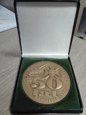 """Medal okolicznościowy """" 50 lat 13 elbląskiego pułku przeciwl"""