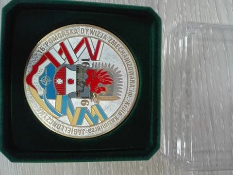 """Medal okolicznościowy w etui """"16 Pomorskiej Dywizji Zmechani"""